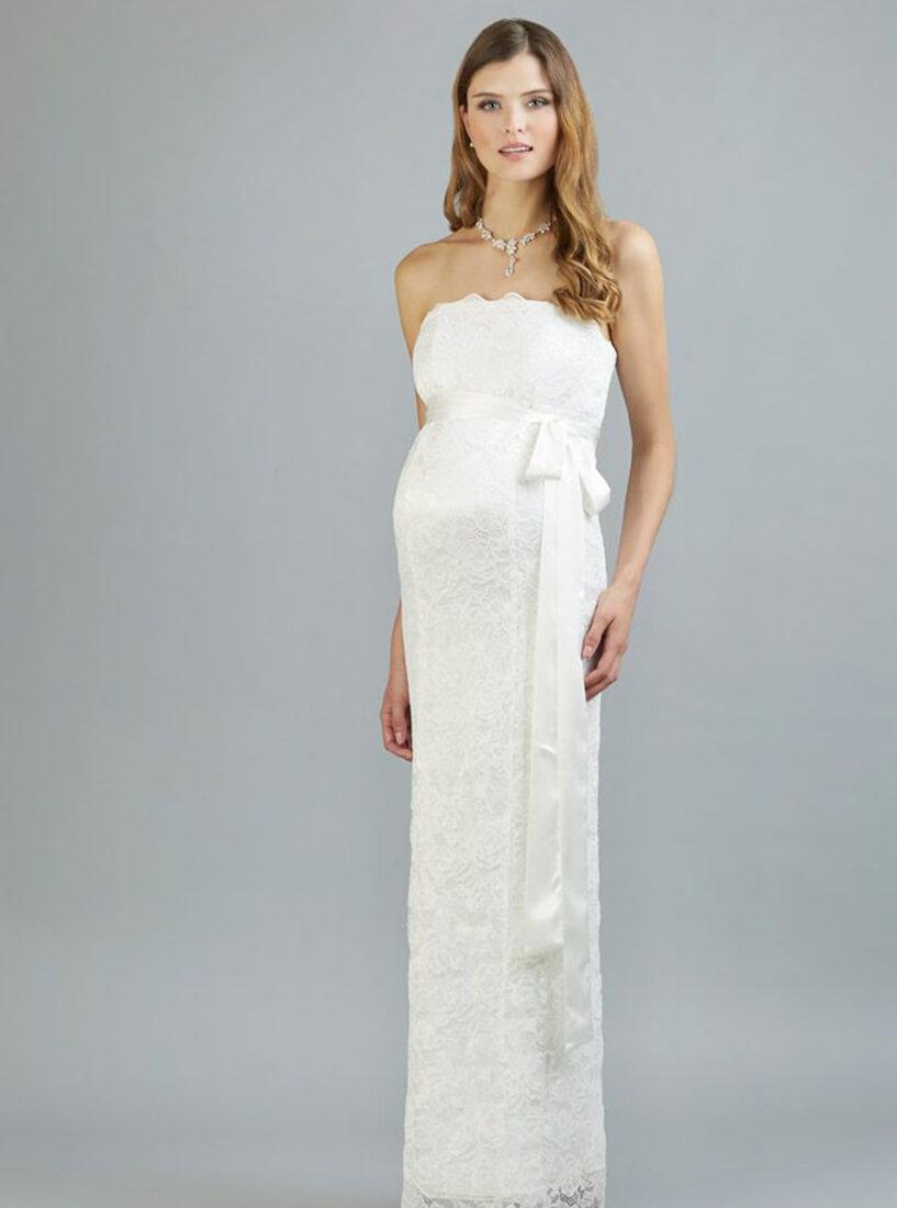 Schwangere Braut in Kleid mit Schleife