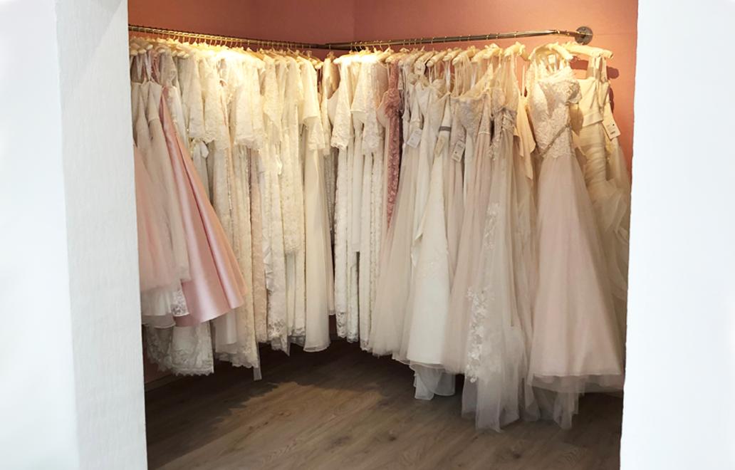 Brautkleider-an-der-Stange